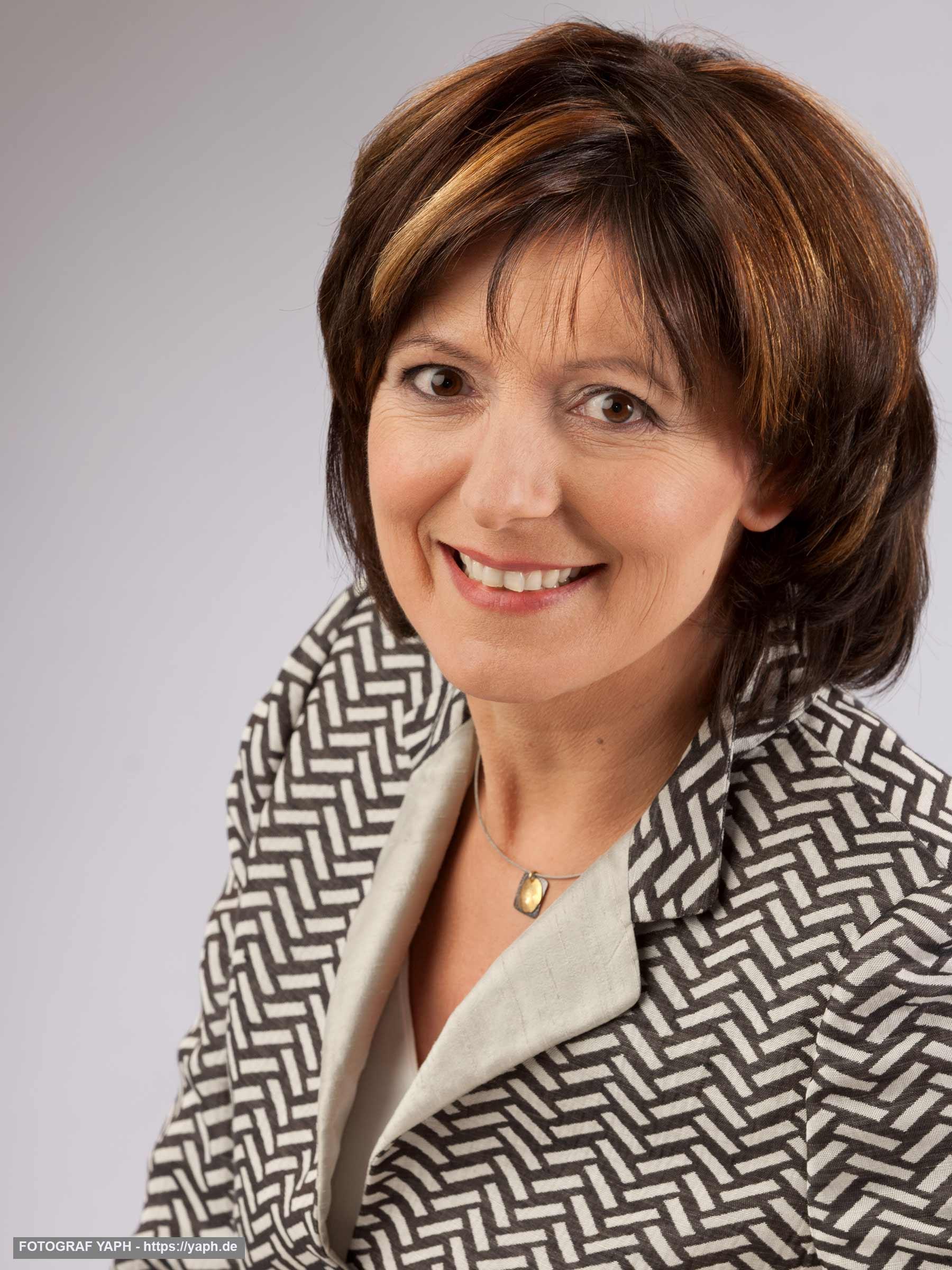 Malu Dreyer Ministerpräsidentin des Landes Rheinland-Pfalz, Portraitfotos bei Yaph Fotograf