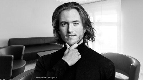 Bewerbungsfoto Trier und Business Portraits by Photography Yaph nach dem Vorbild Steve Jobs