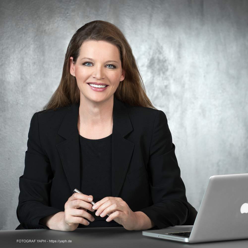 Bewerbungsfoto und Businessportrait bei Fotograf Yaph