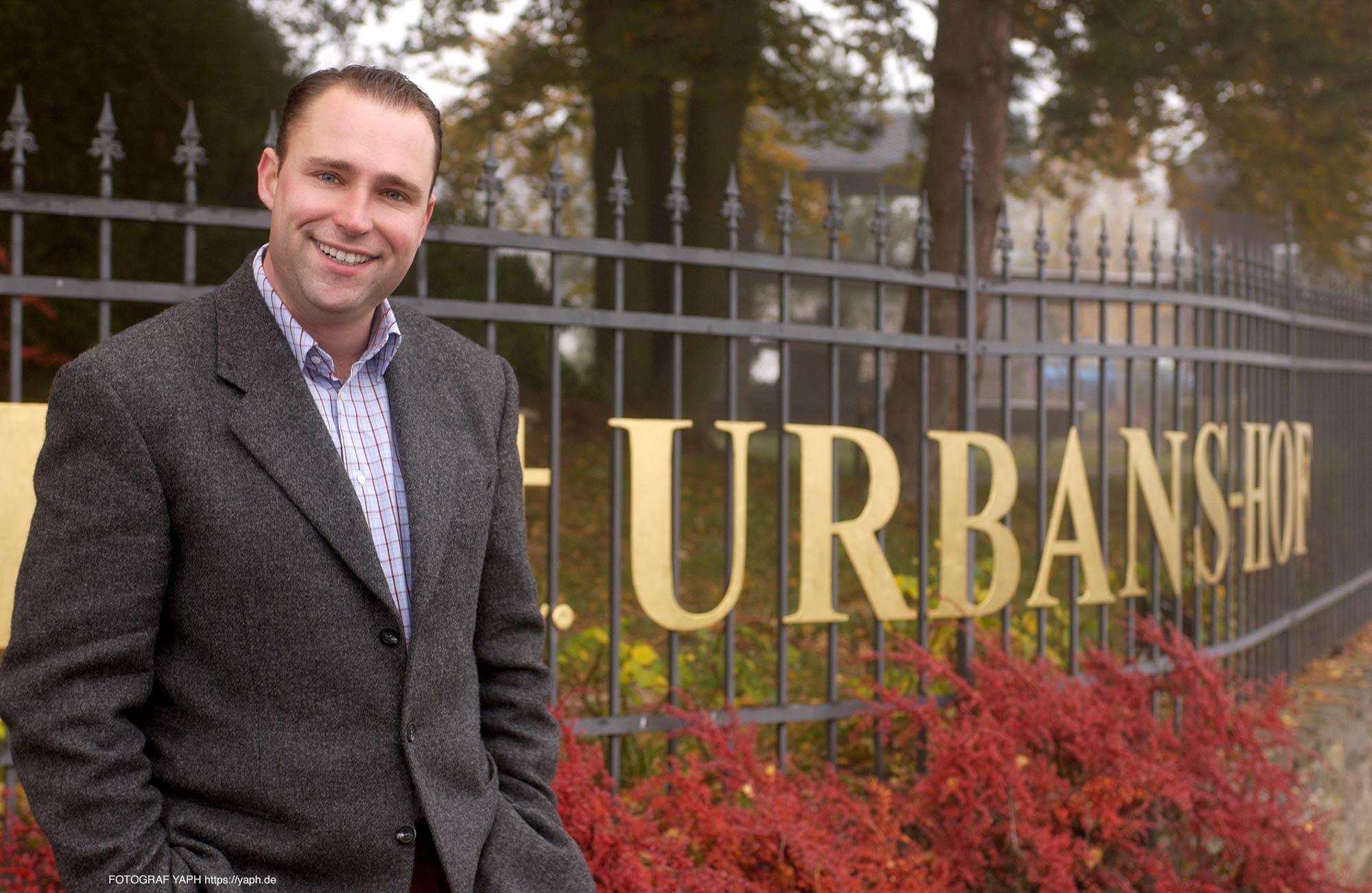 Business Portrait Nik Weis- St. Urbans-Hof - Fotograf für Bewerbungsfotos Trier