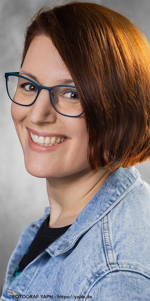 Annette - Bewerbungsfoto - Business Portrait - Yaph- Fotograf Trier