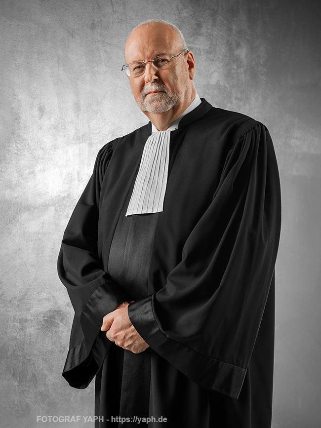 Business Portrait -Carl Baudenbacher - Richter - Efta Court - Portrait bei Fotograf Yaph - Trier