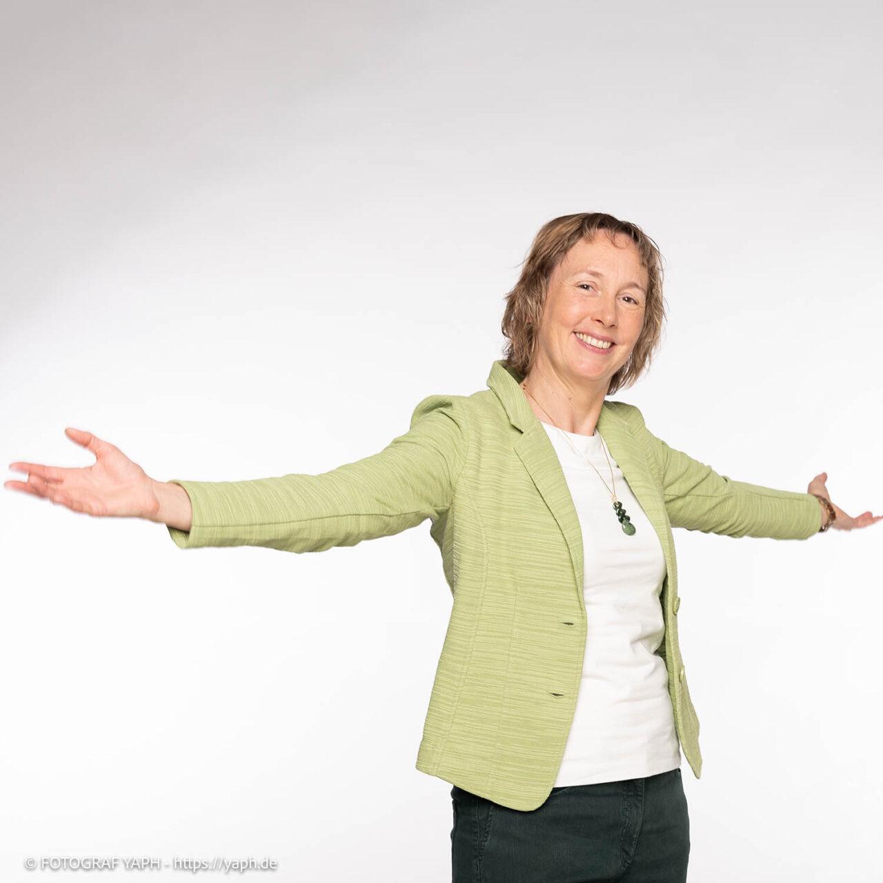 Katja - Bewerbungsfotos Trier und Business Portraits in Fotostudio von Fotograf Yaph