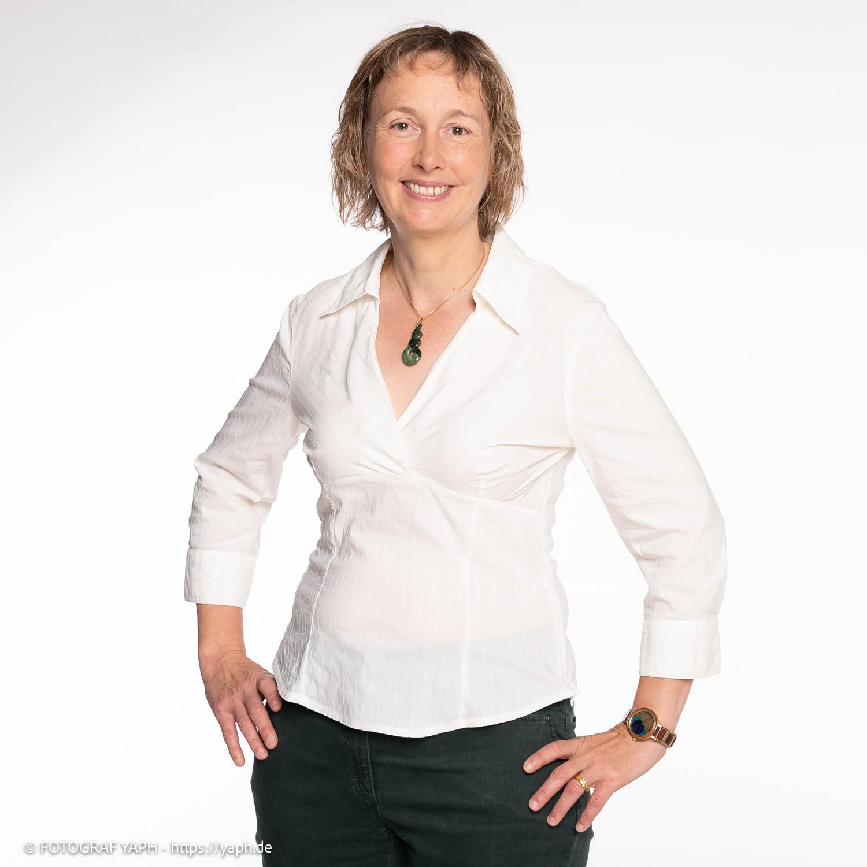 Bewerbungsfotos Trier und Business Portraits von Katja in Fotostudio von Fotograf Yaph