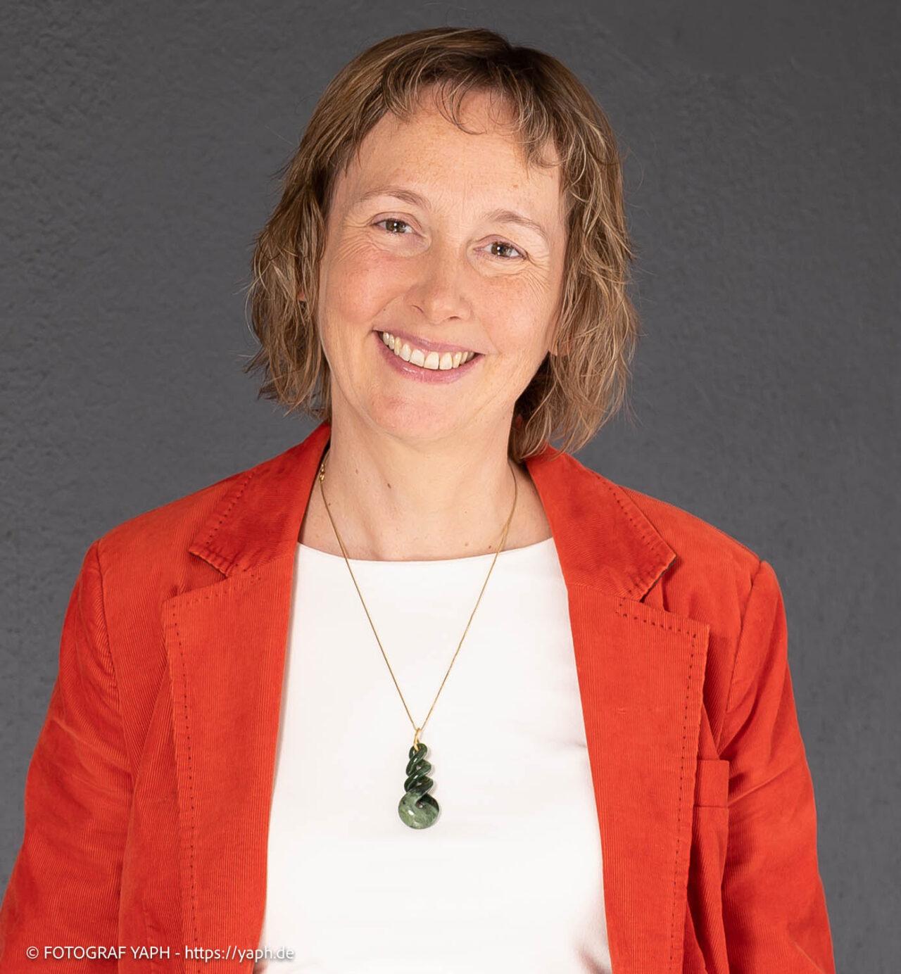 Katja - Bewerbungsfotos und Business Portraits in Fotostudio von Fotograf Trier Yaph