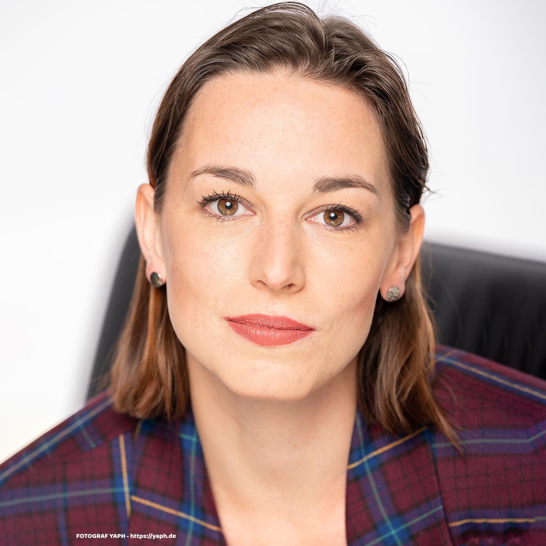 Anna Porträtfoto und Business Portrait- Fotostudio Yaph