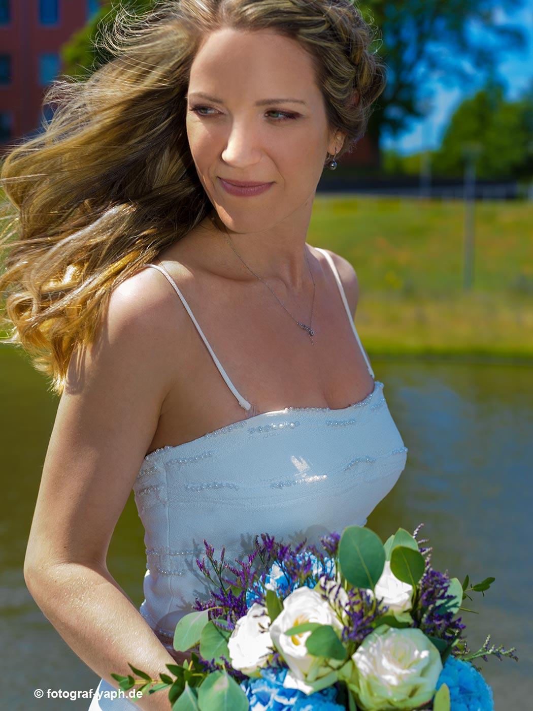 Brautbilder und Brautpaarshooting bei Fotograf in Trier Yaph, Petra und Herbert