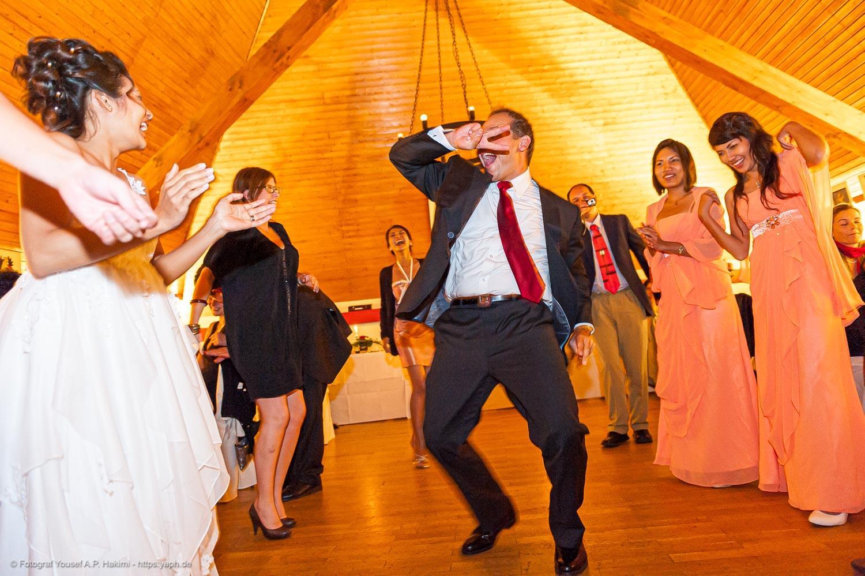 Bei der Hochzeitsreportage werden alle besonderen Momente des Tages in lebendigen Bildern festgehalten