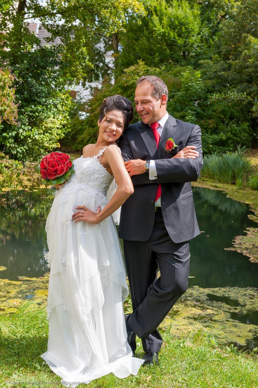 Brautpaarfotos mit Babybauch von Fotograf Yaph Trier