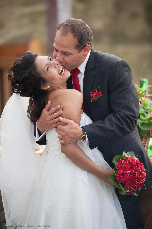 Hochzeitsfotografin Claudia Gabriele und Hochzeitsfotograf Yaph schießen die Hochzeitsfotos von Get & Sascha