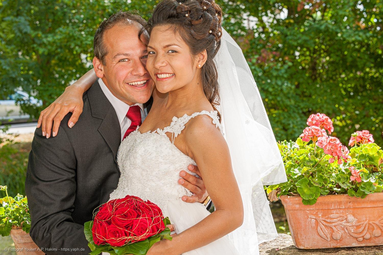 Klassische Fotos vom Brautpaar die nicht gestellt wirken