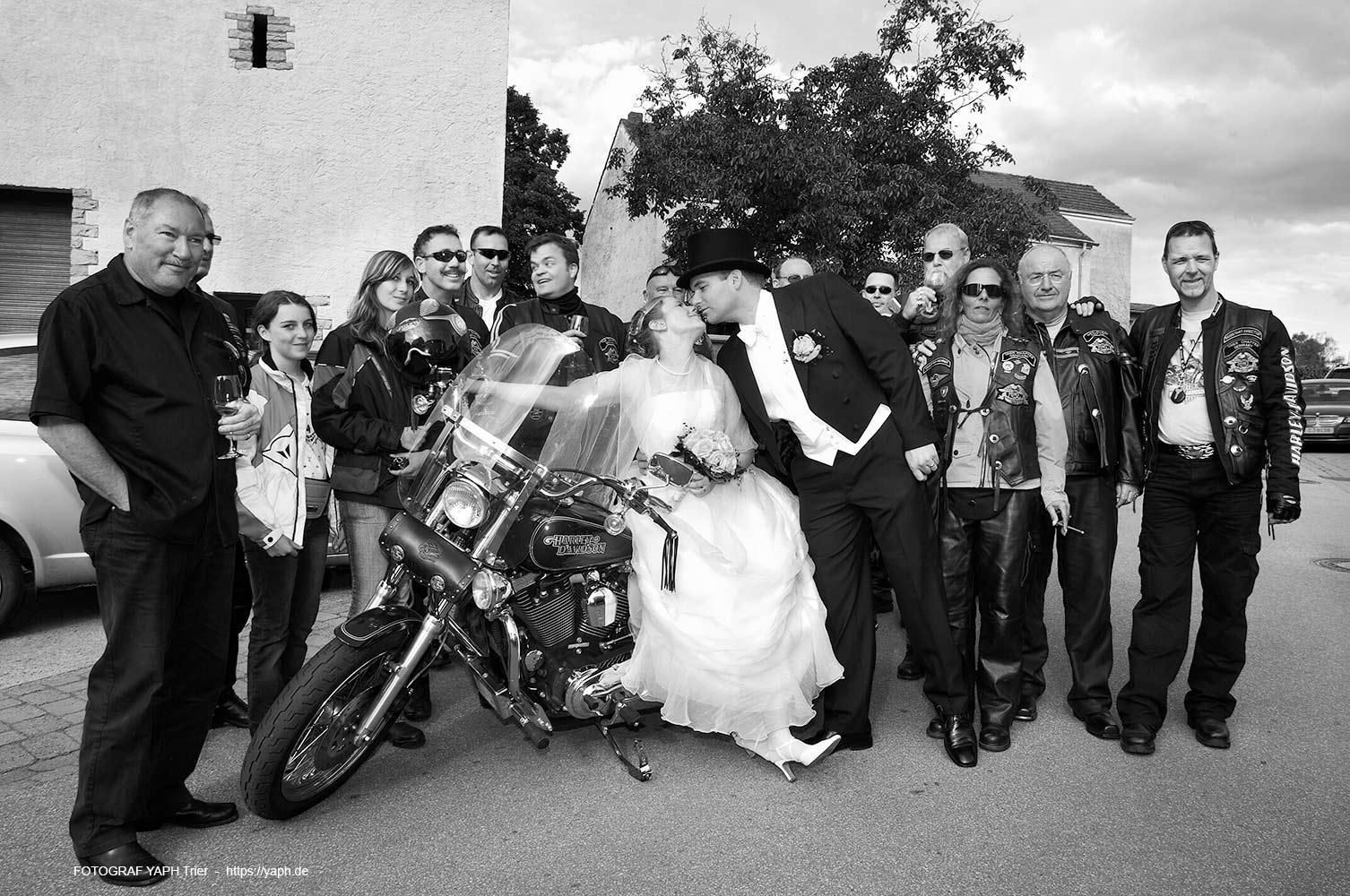 Fotograf für Hochzeit und Hochzeitsfotografin in Trier - Fotostudio Yaph auf dem Petrisberg